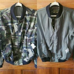 Jackets & Blazers - NWT Reversible camo/green jacket